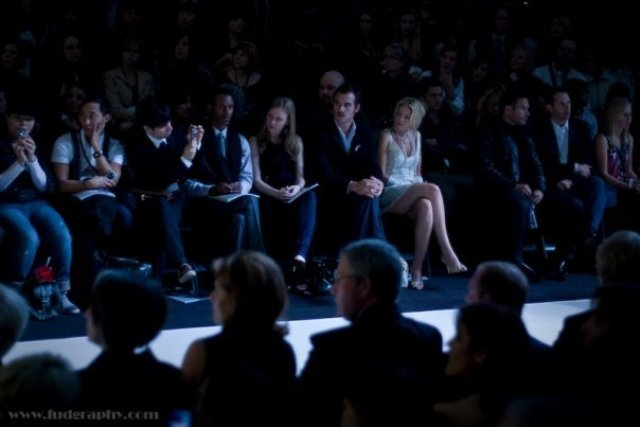 Jessica front row at fashion week